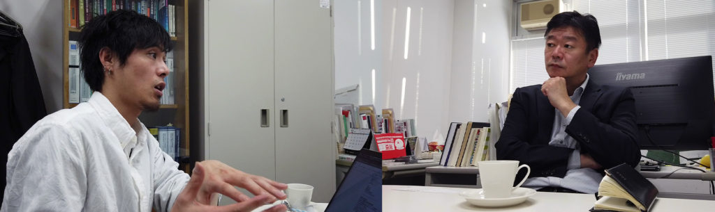 EXA KIDS実行委員長の古林と九州工業大学大学院の中尾教授